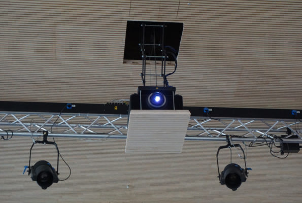 EIKI Laserprojektor EK-810U in der Stadthalle Rottweil