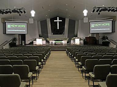 EIKI EK-511W und EK-301W begeistern Kirchengemeinde in der New Hope Presbyterian Church in Fort Meyers, Fl.